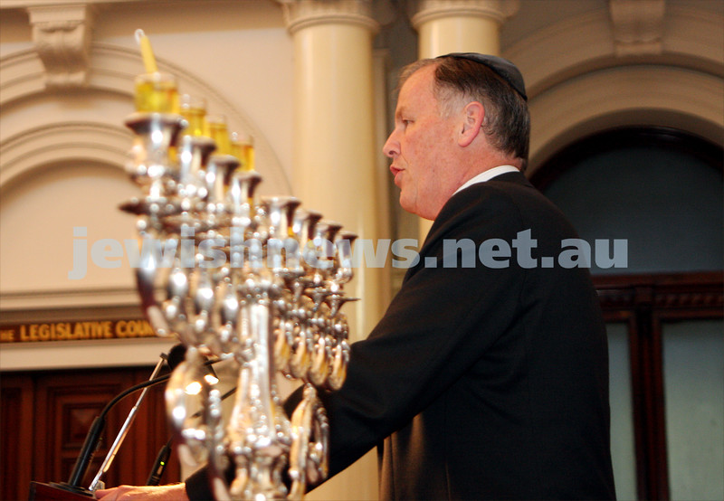 14/12/09. Chanukah at Parliamernt House Victoria. Deputy premier Rob Hulls. photo: peter haskin