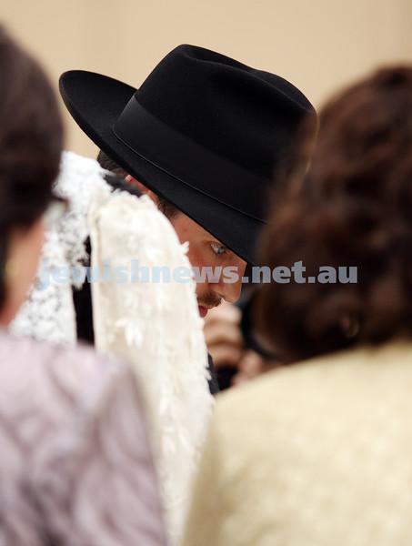 20/10/09. Wedding of Chana Gutnick to Ari Herzog. Photo: peter haskin