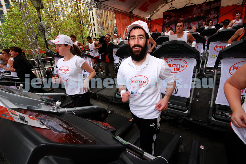 2/10/09. Rabbi Yaakov Glassman on the tredf mill for the 2009 Foxtel Lap day, raising money for Murdoch Childrens Rersearch Institute. Photo: peter Haskin