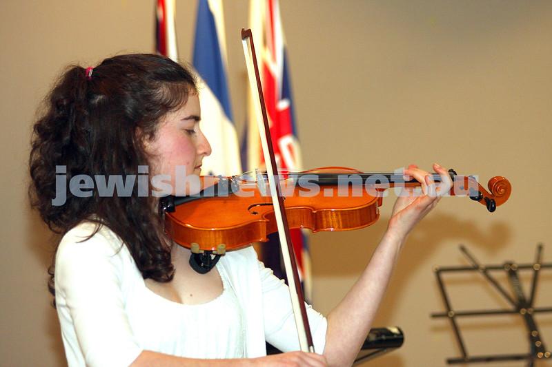 B'nai B'rith Jewish Youth Eisteddfod 2009. Isabelle Schupak. photo: peter haskin