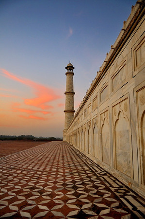 Minaret of the Taj Mahal at sunset
