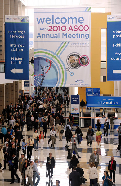 Chicago, IL - ASCO 2010 Annual Meeting: General views at the American Society for Clinical Oncology Annual Meeting here today, Saturday June 5, 2010. Over 30,000  physicians, researchers and healthcare professionals from over 125 countries are attending the meeting which is being held at the McCormick Convention center and features the latest cancer research in the areas of basic and clinical science. Date: Saturday June 5, 2010 Photo by © ASCO/Phil McCarten 2010 Technical Questions: todd@toddbuchanan.com; ASCO Contact: photos@asco.org