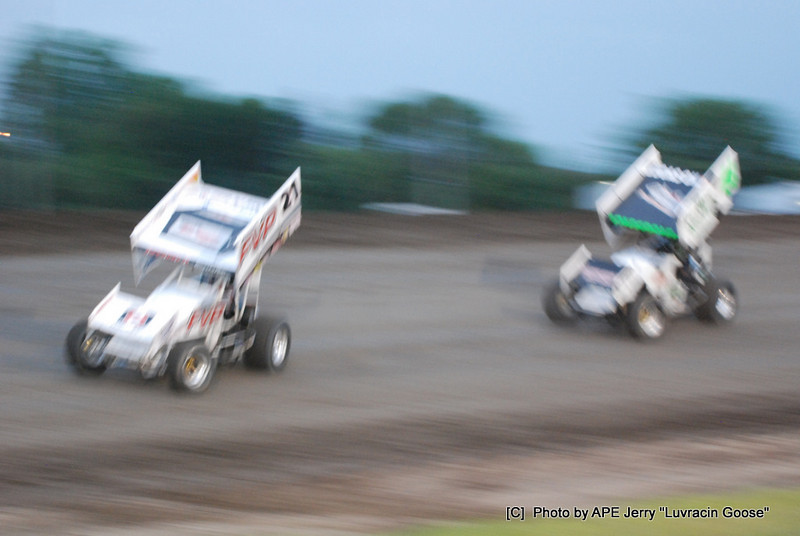 Brian Brown gets the Pass goin for the WIN!