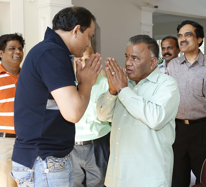 Mohammed Azheruddin former Indian skipper  greets his fan during  ATA 2012 meet in Atlanta on 6th July 2012..  Mohammed Jaffer/snapsindia