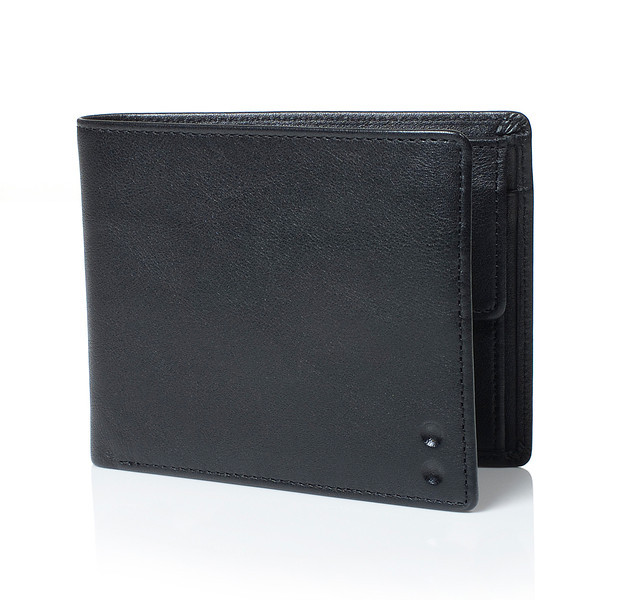 Billfold_coin_pouch_Black_three-quart - high res