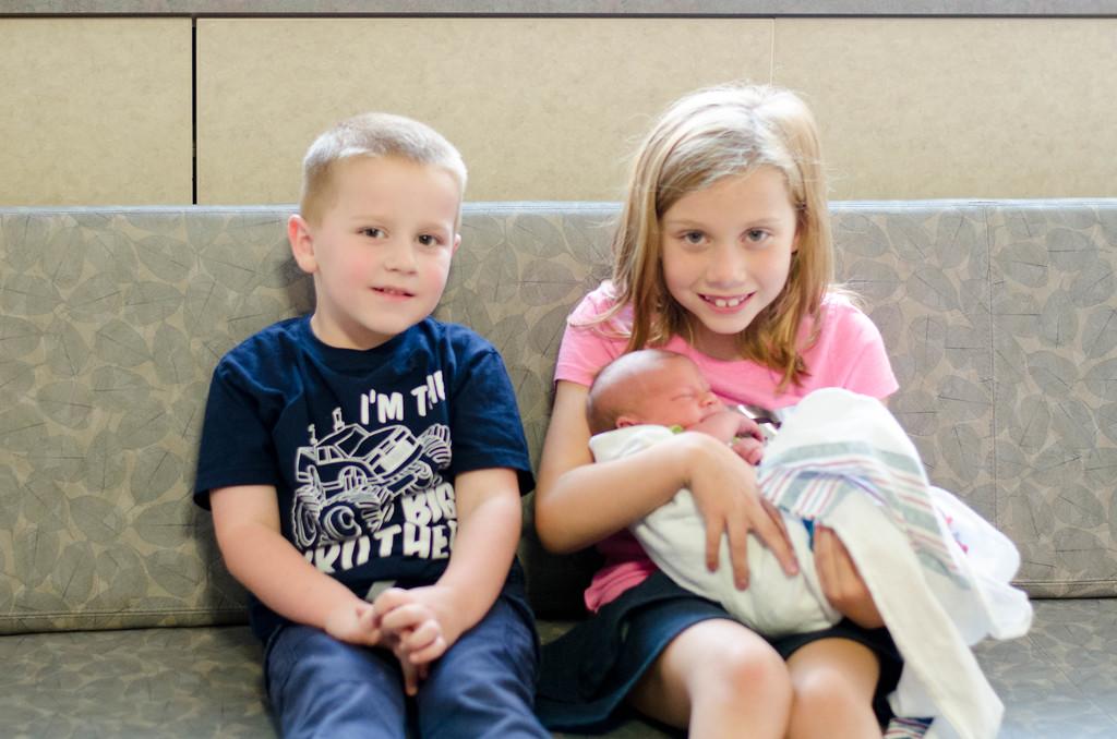 Georgie & Ginger meet baby Chloe