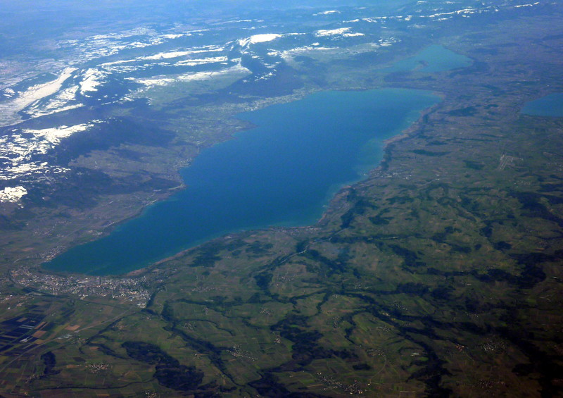 Lac de Neuchatel, Bieler See and Lac de Morat to the right
