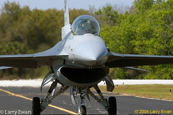 F16 belonging to the US Air Force demonstration team.