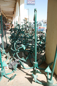 I want the dark green one, second from the left in the third pile thanks.  Over 100 kms from the sea but, if you want an anchor, they've got 'em.