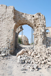 One of the original entrance gates to Al Munisifeh which has collapsed in the last 3 months since we were there last.