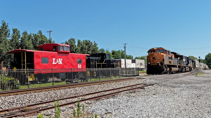 Train Rolls Through Stevenson in front of Depot