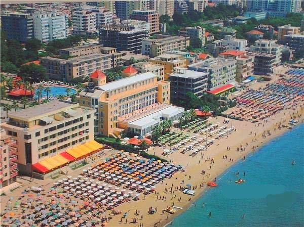 Adriatik hotel in Durres in the middle