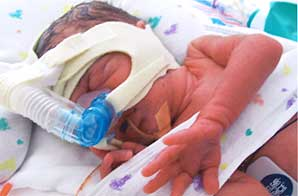 Giovanni, a boy, was born at 11:46 a.m.. He weighed 3 pounds, 6 ounces and measured 15.35 inches.