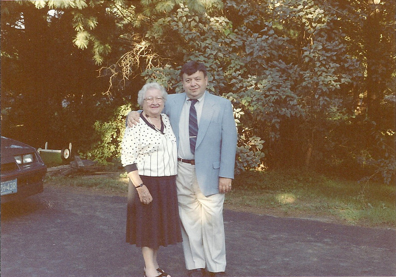 1989 Oct. w/ Mom