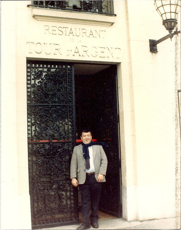 1985 Nov. - Paris - our 2nd vacation. Prior to our lunch at Tour d'Argent.