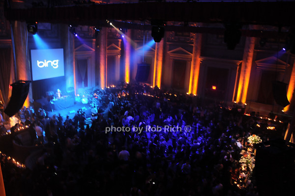 Atmosphere @ Cipriani<br /> photo by Rob Rich © 2010 robwayne1@aol.com 516-676-3939
