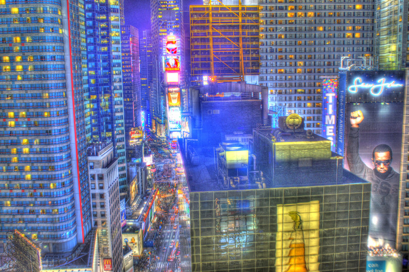 It just made sense to take an HDR and just blow everything overboard so you can truly know what it felt like to live in the heart of Times Square.