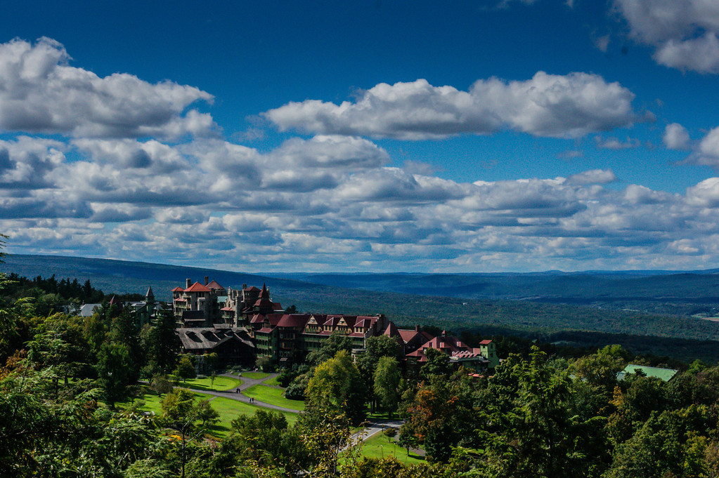 Photo of the entrance to the Mohonk Hotel