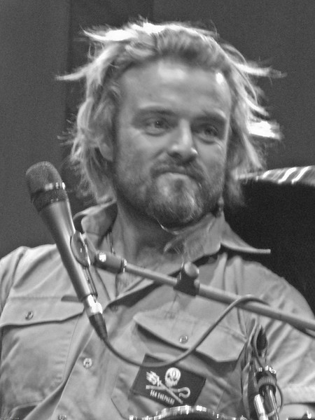 Xavier Rudd and Mishka The Vic 1-22-2008-3072