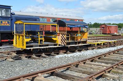 DX68008 'Buzz' 2w-2PMR Wickham Railcar & PWM 2807 2w-2PMR Wickham Railcar    24/06/17