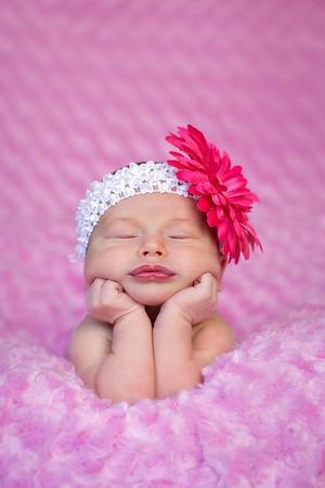 Alyssa Mae Newborn