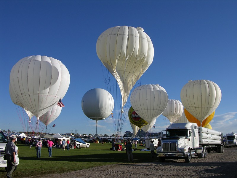 Filling the balloons of the America's Challenge competitors with helium in Albuquerque.