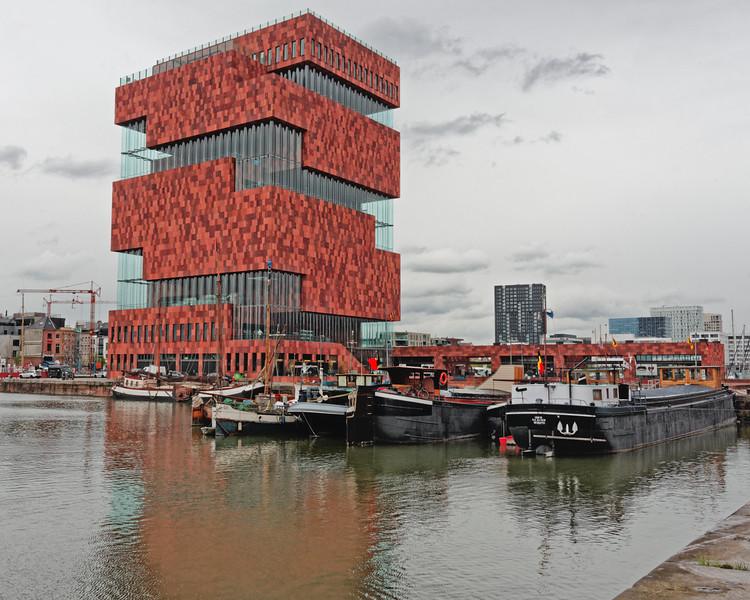 Museum aan de Stroom.  Largest museum in Antwerp.  History and Art. 2011.