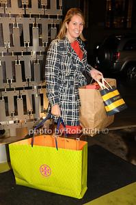 Courtney Gillan photo by Rob Rich © 2009 robwayne1@aol.com 516-676-3939
