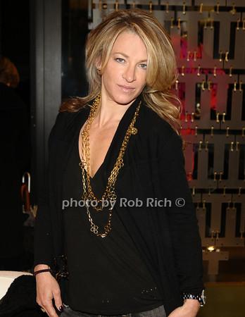 Giana Allen<br /> photo by Rob Rich © 2009 robwayne1@aol.com 516-676-3939