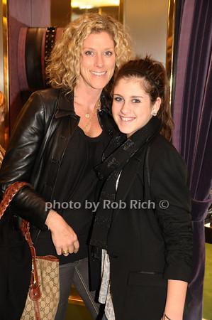 Robin Molk, Lindsey Molk<br /> photo by Rob Rich © 2009 robwayne1@aol.com 516-676-3939