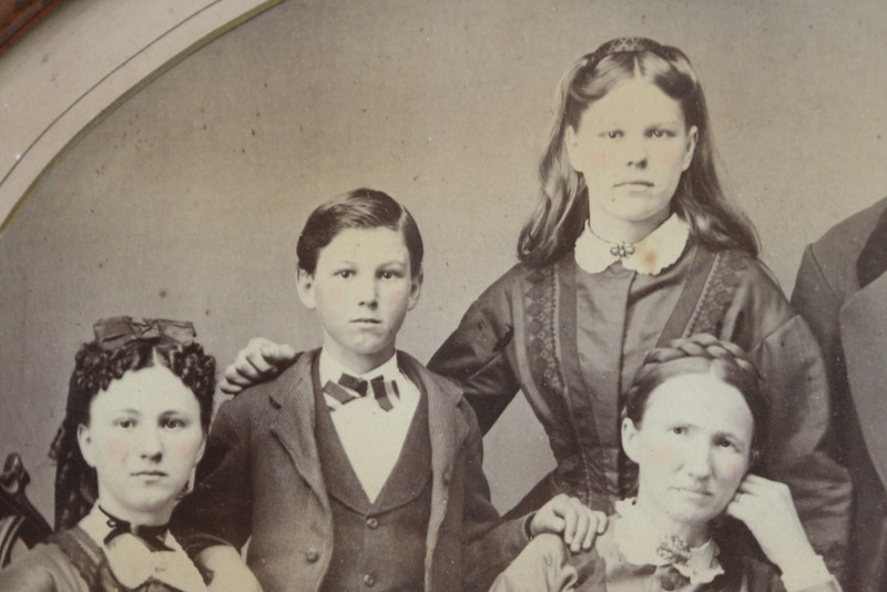 Jennie (left) is the mother of Spurgeon, my G'F and A/C's GGF.  She died short of her 33rd birthday, when Spurgeon was less than a month old!  Ouch.