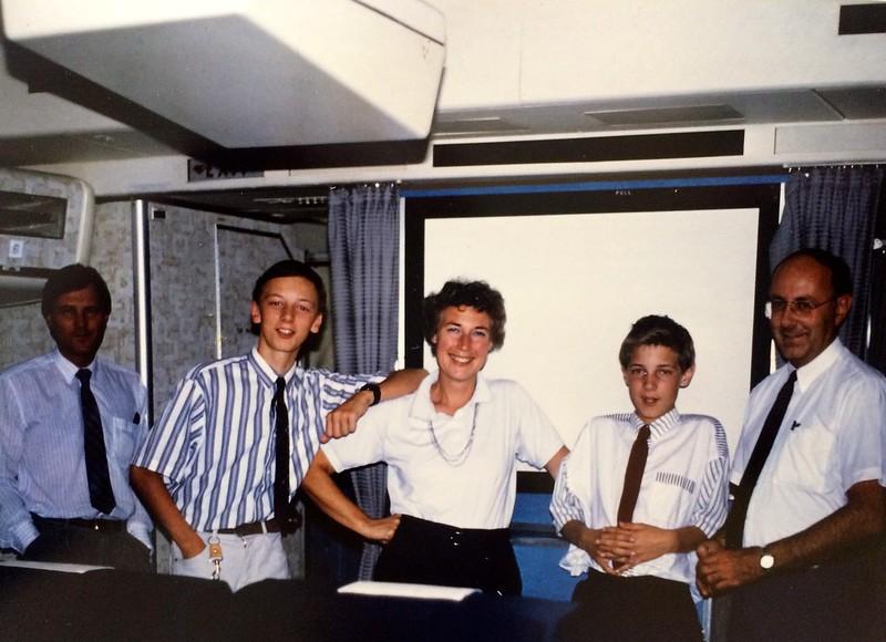 6 juli 1990: KL693 naar Vancouver. Links Cees Aandeweg, collega van René