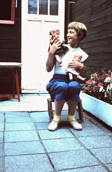 '1958 - Ria met poppen 27 juli '58