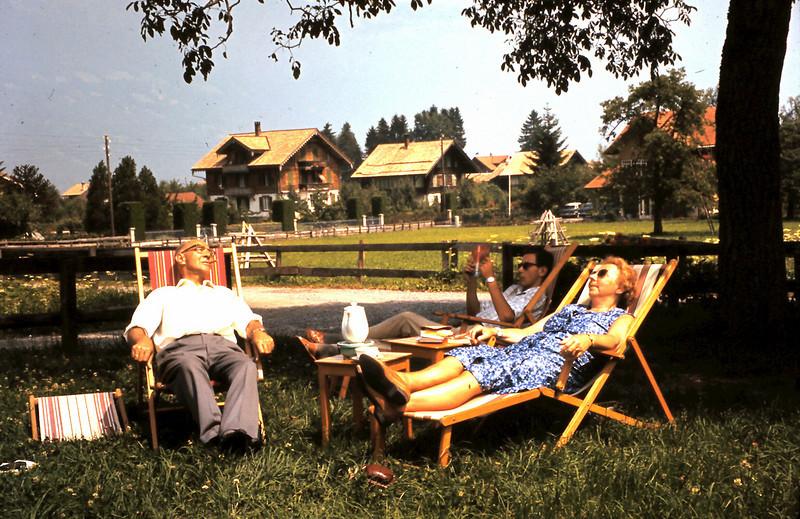 1962 01 Bij onze chalet in Wilderswil
