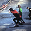 1965 02 Eerst oefenen op kunstsneeuw.
