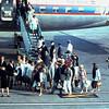 1965 13 Ria zwaaiend in het midden.