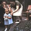 Onze ster met tante Lien en Oom Jo.