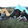 Camping Toulon sur Arroux. <br /> Tea-time met Theo Beukeboom en Gerard Gonggrijp.