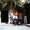1966 62 Afscheid van de signora, Maria, Tjardi en Ina.