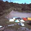 Strawberries kamp bij het veld.