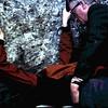 1968 23 Steen kussen en een wens doen in een kasteel in Ierland