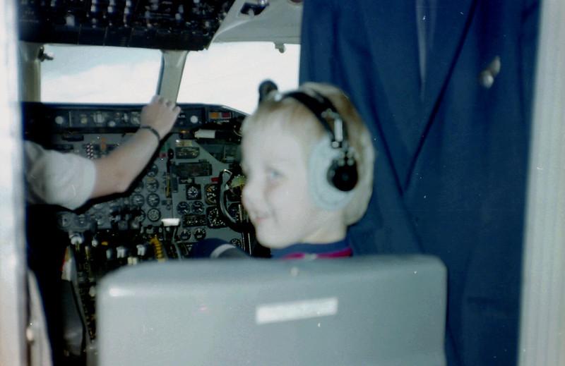 Emile voor het eerst in een cockpit!!