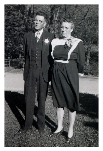 """Levi and Alma.<br /> - """"1945"""" :: (written on print)."""