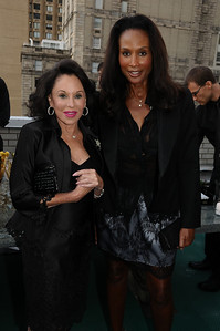 Nikki  Haskell, Beverly Johnson photo by Rob Rich © 2009 robwayne1@aol.com 516-676-3939