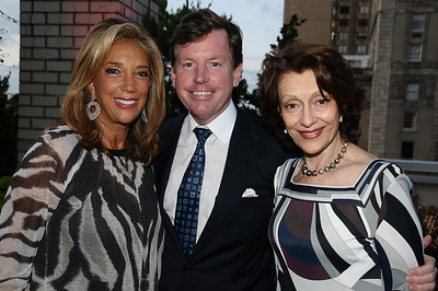 Denise Rich, Tom Quick, Evelyn Lauder photo by Rob Rich © 2009 robwayne1@aol.com 516-676-3939