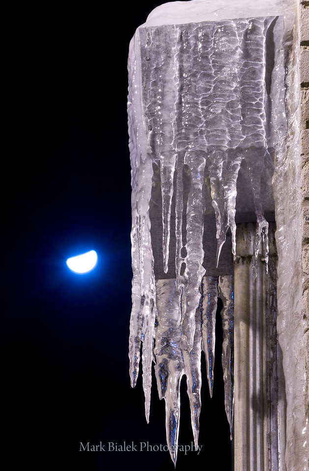Icicles and moon in Gum Alley.