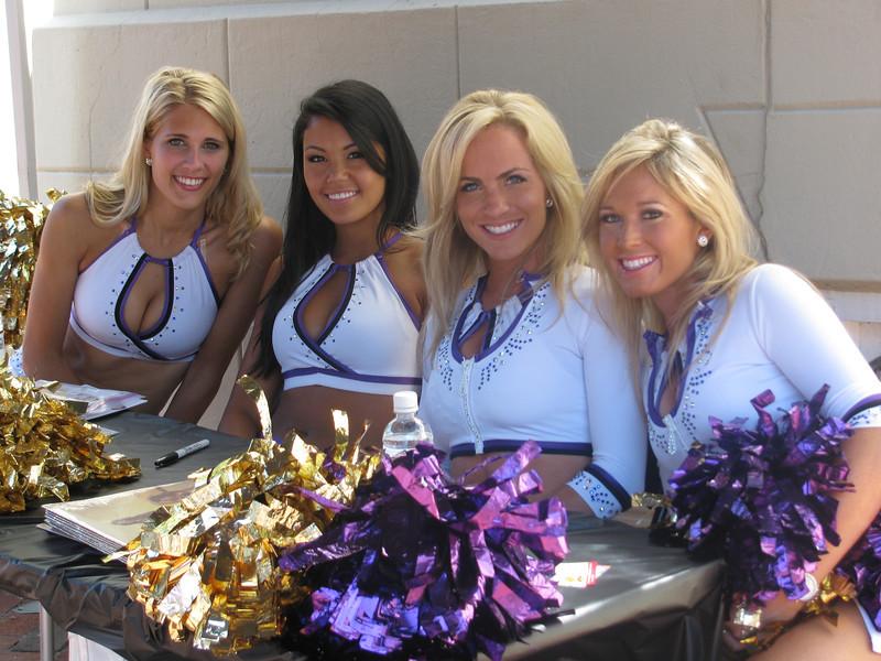 Ravens Cheerleaders 2009 Copyright Sue Steinbrook