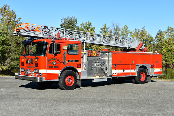 Photographed at the ODHFS 2017 muster in Farmville, VA.  Stonelick TWP, Ohio Quint 40, a 1989 Seagrave JR-47DH 100' with a 1250/300.  Serial number X-75595.  Original owner was Mariemont, OH as Quint 67, then sold to Stonelick TWP, and then to private ownership.