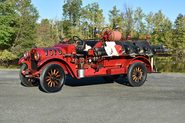 Valley Stream, NY - 1923 Reo.  30hp, 4 cylinder.  Photographed at the ODHFS 2017 muster in Farmville, VA.