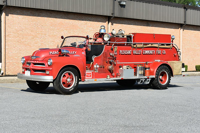 2021 Chesapeake Antique Fire Apparatus Association (CFAA) June muster at the Pleasant Valley VFC in Carroll County, Maryland.  Pleasant Valley, Maryland Engine 61 1954 Chevrolet 6500/Howe 500/750 s/n 15087